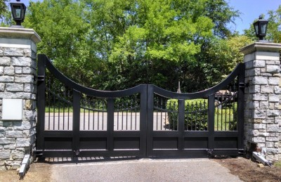 Custom Driveway Gates:BradGreenwoodDesigns.com